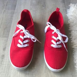 WOMAN'S RED SNEAKERS